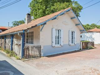 In Lège-Cap-Ferret, by the shores of Arcachon Bay, cottage with sea view and direct beach access - Lege-Cap-Ferret vacation rentals