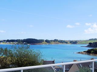Large renovated house in the heart of Finistère, 200 meters from the beach - Plouguerneau vacation rentals
