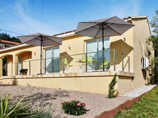 Calm 125 m² villa - Mons vacation rentals