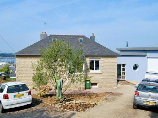 Large renovated house in the heart of Finistère, 200 meters from the beach - Lampaul-Plouarzel vacation rentals