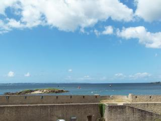 Modern apartment in Port-Louis, Bretagne, with a balcony and view of the Ile de Groix - Lorient vacation rentals