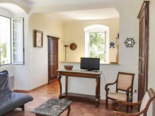 Gorgeous and bright apartment in Erbalunga, Haute-Corse, close to the beach with sea views - Brando vacation rentals