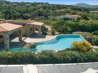 Beautiful house in Corsica, near Calvi & L'Île Rousse, w/ large pool - 10m from the beach! - Belgodere vacation rentals