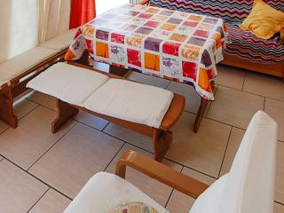 Beautiful Tarragona house with 3 bedrooms, 3 bathrooms and spacious balcony – 300m from the beach! - Montroig vacation rentals