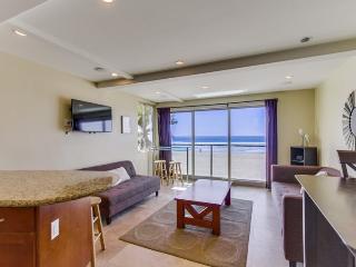 Jersey 4 - Mission Beach 3BR Oceanfront Gem - Mission Beach vacation rentals