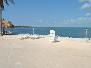 Nice Condo with Shared Outdoor Pool and Television - Islamorada vacation rentals