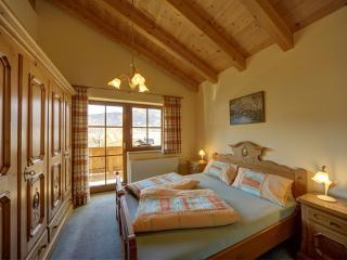 Rosenrot im Haus Sieben Zwerge - Ehrwald vacation rentals