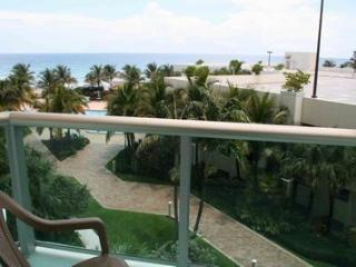 One Bedroom Apartment with pool and ocean view - Hollywood vacation rentals