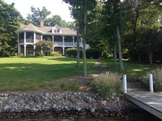Charming New England Style Lake Cottage - Moneta vacation rentals