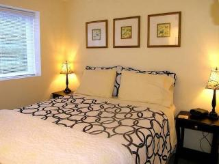 Furnished North Vancouver Garden Suite - North Vancouver vacation rentals