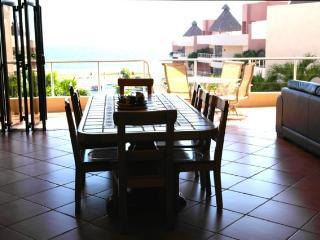 Charming 4 bedroom Condo in Manzanillo - Manzanillo vacation rentals