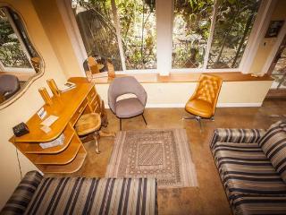 Bernal Heights Stylish Retro Studio Loft - San Francisco vacation rentals