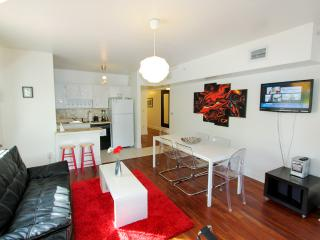 All Nov $900/wk:Center of South Beach,5min walk to beach - Miami Beach vacation rentals