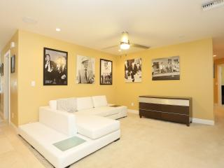 Casa de Sinatra Luxury Las Vegas Home 6 bed 4 bath - Las Vegas vacation rentals