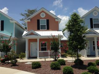 New Luxury 3 Bedroom Cottage, Pool&WiFi,Steps to Beach - Myrtle Beach vacation rentals