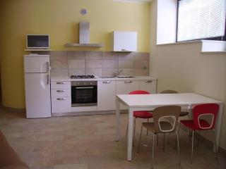 Nice Condo with A/C and Central Heating - Verona vacation rentals