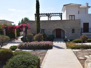 APHRODITE HILLS VILLA 340 - Paphos vacation rentals