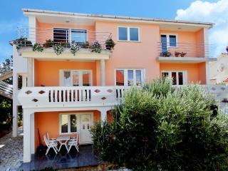 Apartments ANA, Croatia, Island KRK-NINA C.G - Silo vacation rentals