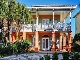 BEAUTIFUL BEACHOUSE FOR 10! OPEN WEEK OF 3/14-3/20 - 10% OFF BOOK NOW - Destin vacation rentals