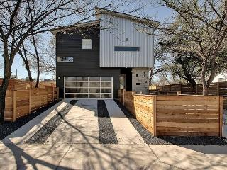 5BR/3BA Newly Built Downtown Austin House, Sleeps 12 - Austin vacation rentals