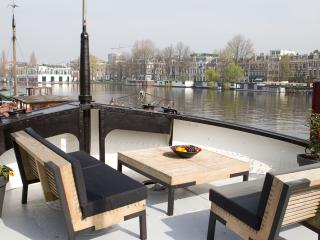 Nice 3 bedroom Boathouse in Amsterdam - Amsterdam vacation rentals