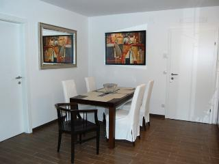 Marvelous Attic Flat with WiFi top 2 - Vienna vacation rentals