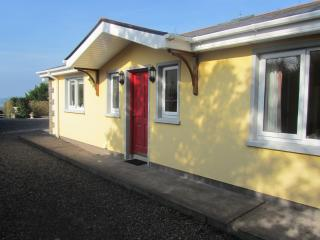 3 bedroom Bungalow with Internet Access in Bantry - Bantry vacation rentals