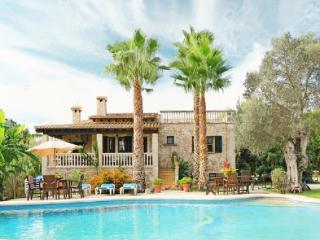 5 bedroom House with Private Outdoor Pool in Pollenca - Pollenca vacation rentals