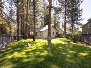 #43 ALDER Bring your best friend! $210.00-$255.00 BASED ON DATES AND NUMBER OF NIGHTS (+ county tax, SDI, cleaning and Processing fee) - Plumas County vacation rentals