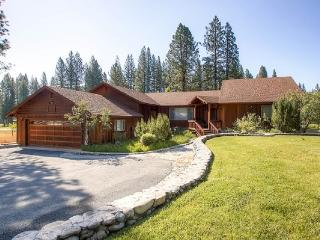 #3 EVERGREEN Large private home on the meadow $220.00-$255.00 BASED ON FOUR PEOPLE OCCUPANCY AND NUMBER OF NIGHTS (plus county t - Plumas County vacation rentals