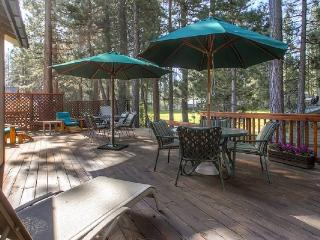 #44 SEQUOIA Huge deck! $220.00-$255.00 BASED ON DATES AND NUMBER OF NIGHTS (plus county tax, SDI, Cleaning Fee and processing fee) - Plumas County vacation rentals