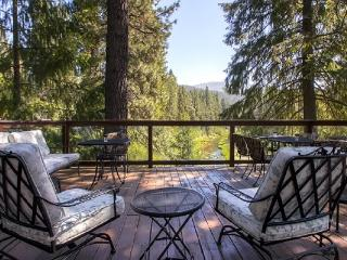 #306 SEQUOIA Gorgeous home overlooking the Feather River $260.00 - $295.00 BASED ON 4 PERSON OCCUPANCY AND NUMBER OF NIGHTS (plu - Plumas County vacation rentals