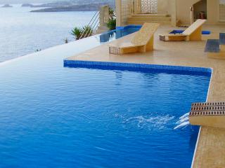 Luxury villa in El Toro with all amenities and just a few steps from the beach - El Toro vacation rentals