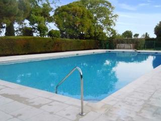 Bright and stylish apartment in Villeneuve-Loubet, Provence, w/ large terrace & panoramic sea views - Villeneuve-Loubet vacation rentals