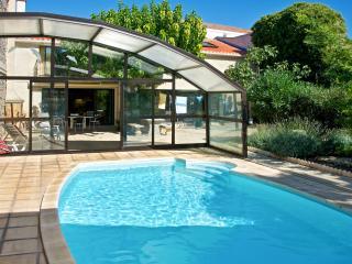 Comfortable harbourside maisonette in Marseillan with garden and pool - Marseillan vacation rentals
