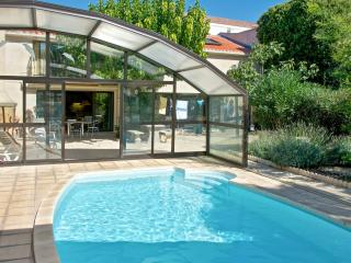 Charming Marseillan apartment with garden and pool for 5 people - Marseillan vacation rentals