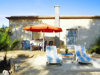 In Benicarlo, family-friendly holiday house with sea view, garden and pool - Peniscola vacation rentals