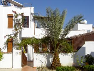 Lovely house in Antalya with balcony and terrace, close to the beach - Side vacation rentals