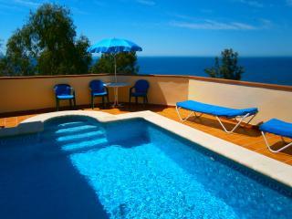 Villa Con Piscina Junto al Mar Nerja Malaga - Nerja vacation rentals