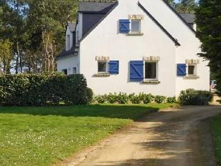 In Morbihan, Brittany, spacious villa with 6 bedrooms, garden and terrace - 300m from the sea! - Saint-Philibert vacation rentals