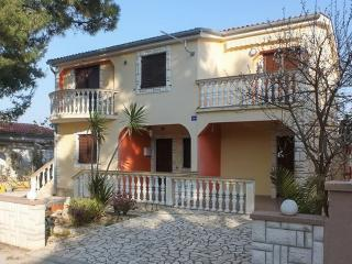 Wonderful apartment in Vir, Croatia, close to the sea - Northern Dalmatia vacation rentals