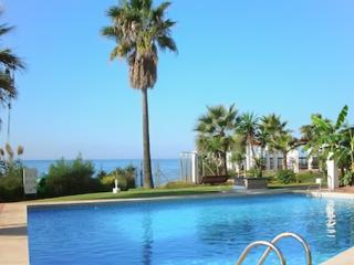 Fabulous flat in Calahonda, Andalusia, overlooking the sea - Mijas vacation rentals
