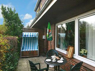 Flat with 2 seperate rooms in Sylt, Germany, with furnished patio - Tinnum vacation rentals