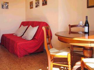 Delightful studio in Dinard, Brittany, with balcony and sea view - Dinard vacation rentals