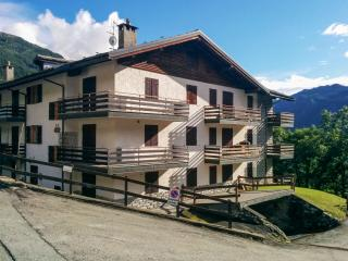 Apartment in Valtournenche, Italy, with terrace and stunning mountain views - Valle d'Aosta vacation rentals