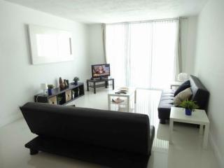 Great One Bedroom Condo with Ocean View - Hollywood vacation rentals