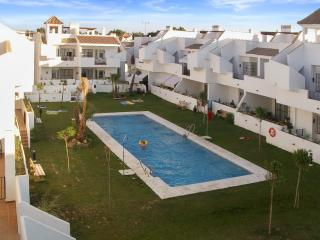 Bright, spacious flat close to Seville in charming complex by the sea - Costa de la Luz vacation rentals