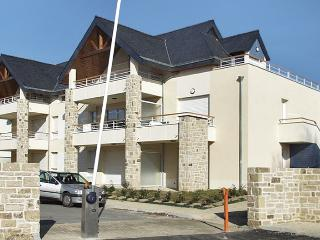 Lovely apartment in a Beg-Neil en Fouesnant, Brittany, with large balcony, close to the sea - Nievre vacation rentals