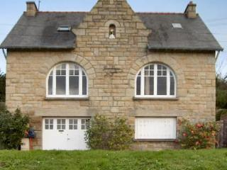 Spacious house along the waterfront in Northern Brittany - Saint-Lunaire vacation rentals