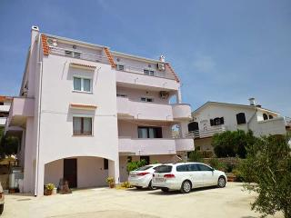 Beautiful spaciois appartament For 3 - Novalja vacation rentals